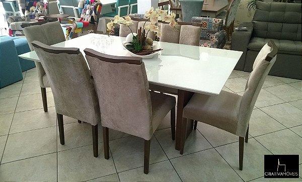 Sala de Jantar 6 lugares, tampo em vidro e em laca Off-White 1,8m x 1,0m . cadeiras estofadas pé em madeira .