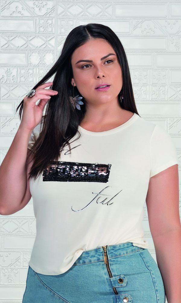 T-Shirt com Detalhe Bordado em Paetês   31154