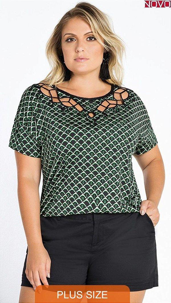 Blusa com Detalhe Bordado no Decote      20890
