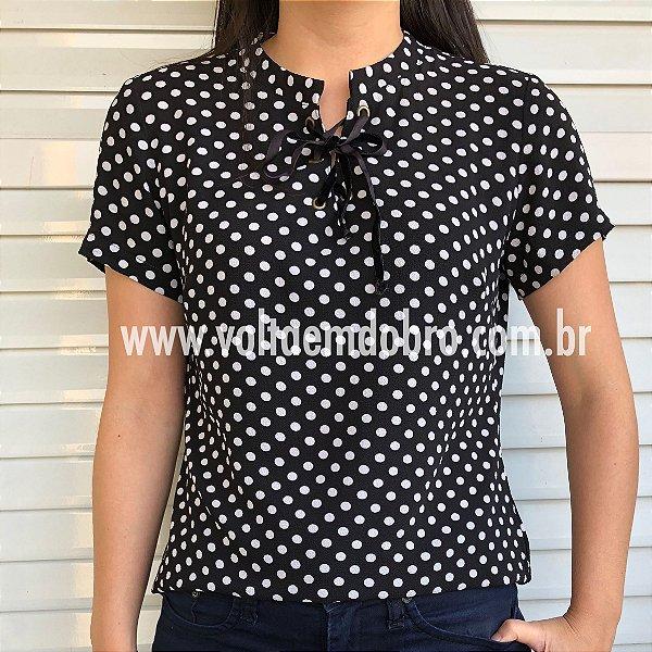 T-Shirt Bolinha Ilhos Frente