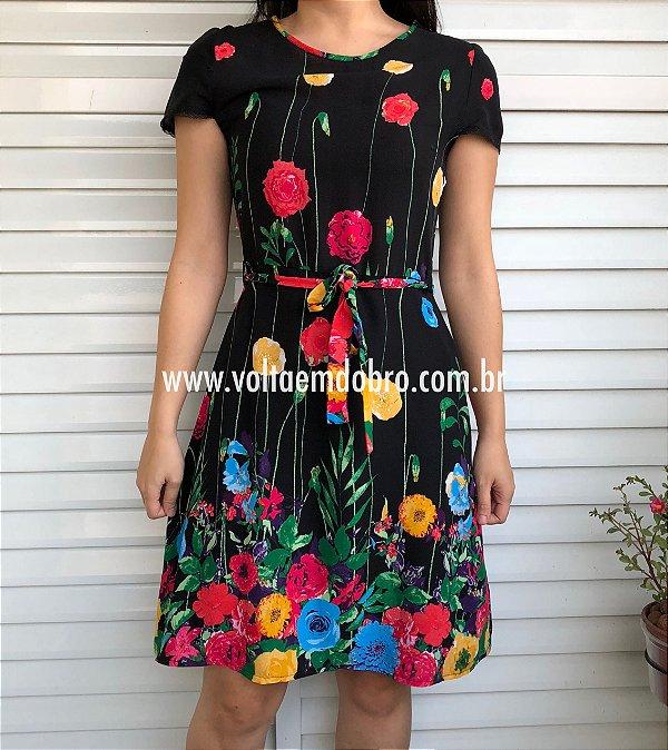 Vestido Plus Size Explosao de Flores