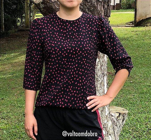 Blusa Plus Size Preta Pincelada
