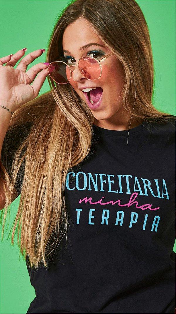 Camiseta Feminina Confeitaria minha Terapia Preta