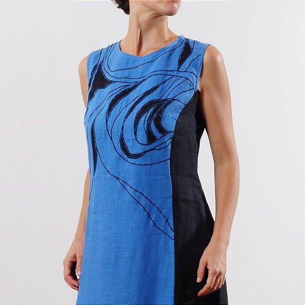 Vestido Plus Size de Linho Bordado Ipanema Azul e Preto