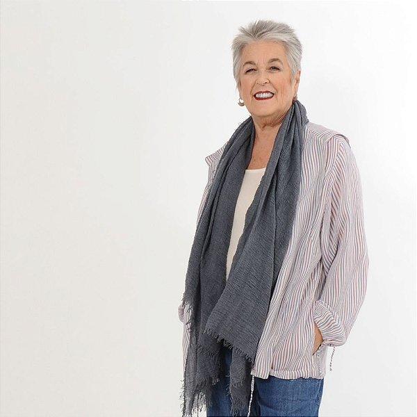 Jaqueta Leve Plus Size de Viscose Listrada