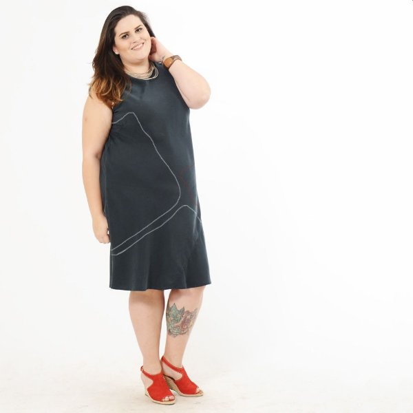 Vestido Midi Plus Size de Tencel Asfalto