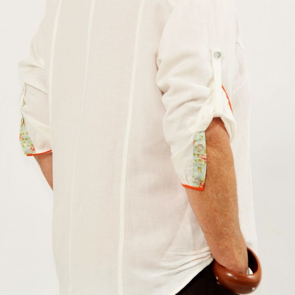 Camisa Plus Size de Linho Pérola Detalhe Colorido