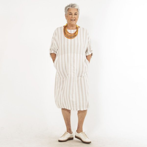 Vestido Plus Size de Linho Tubo Biarritz Areia
