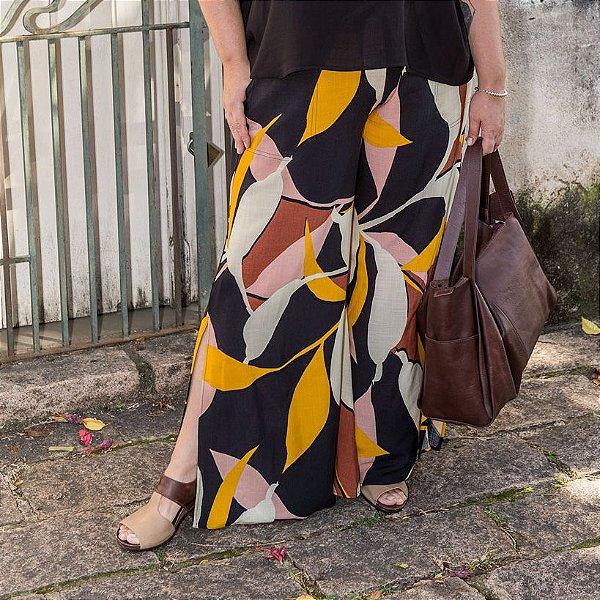 Calça Pantalona Flare Plus Size Viscolinho Folhagem Terra