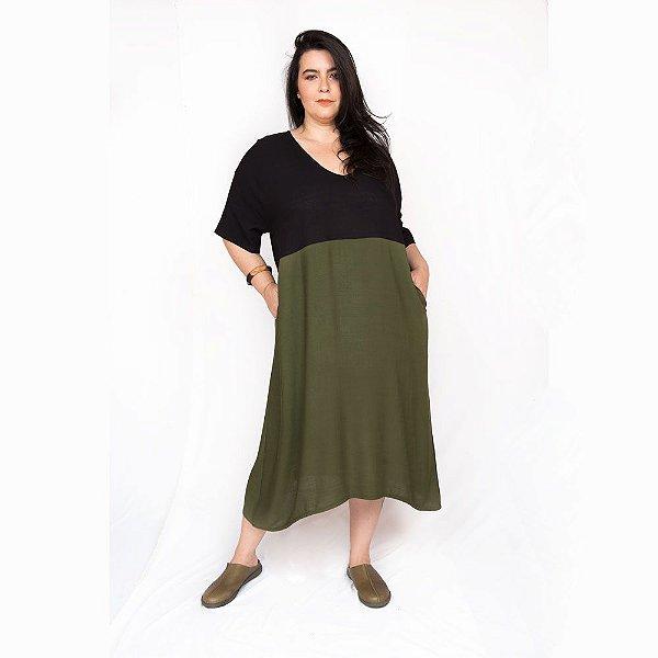 Vestido Amplo Bicolor Preto Verde