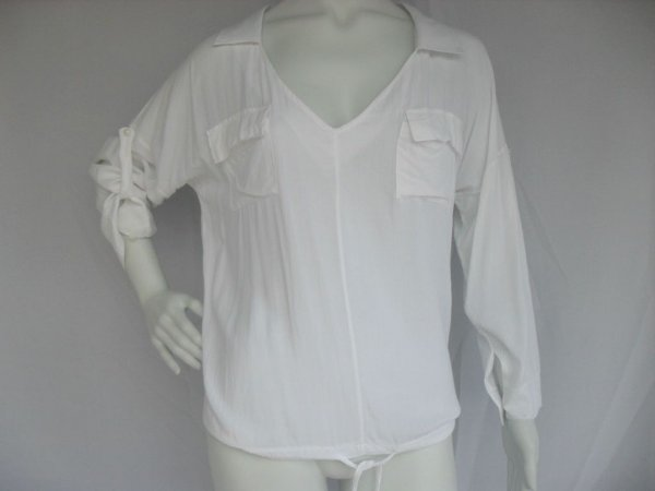 Blusa Branca com 2 Bolsos (M) - Semi Nova!