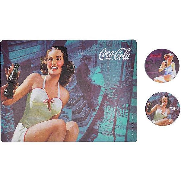 Conjunto de Jogo Americano e Porta Copos de Plástico Coca-Cola Brunette Lady - 4 Peças