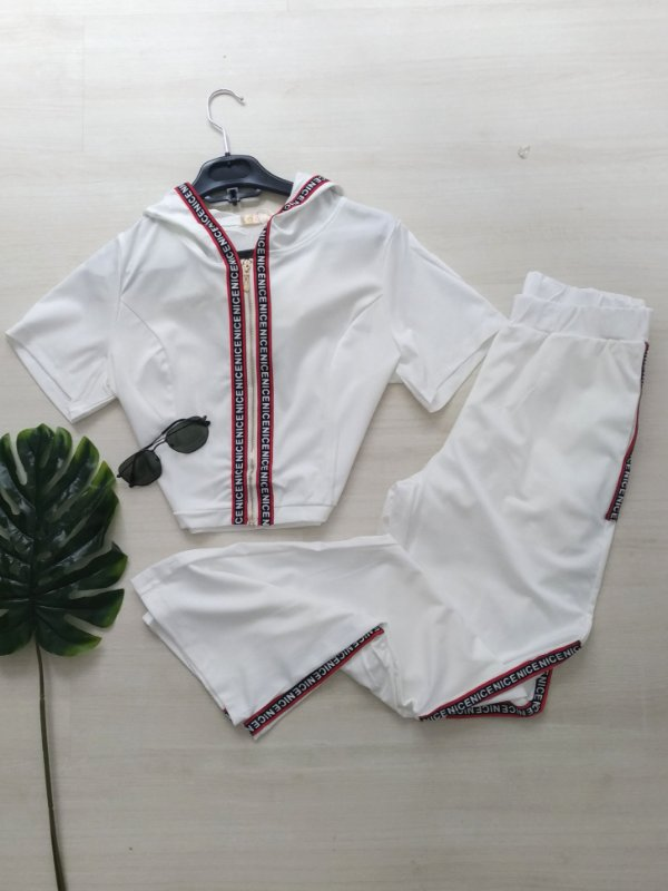 Conjunto NICE Calça e Blusa com Capuz