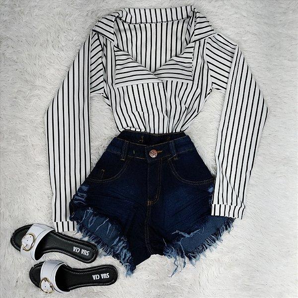 Shorts Jeans Azul Escuro Rasgadinho