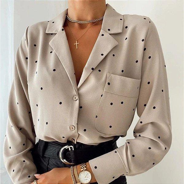 Camisa Feminina com Bolso e Poás - 2 cores