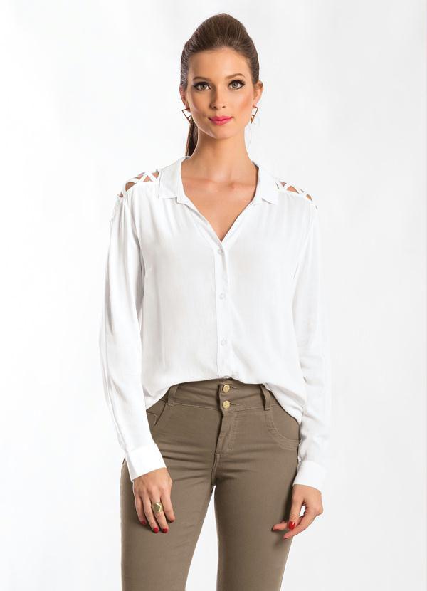Camisa com Vazado no Ombro Branca