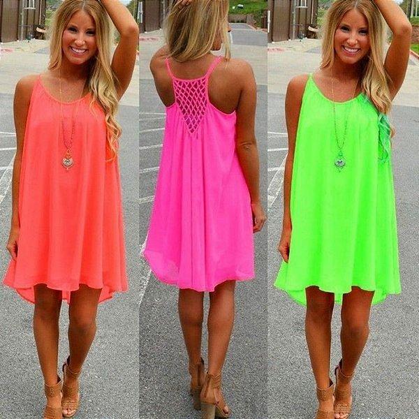 Vestido Liso com Detalhe nas Costas - 4 cores
