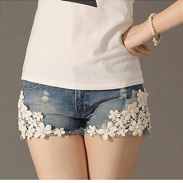 Short Jeans com Renda