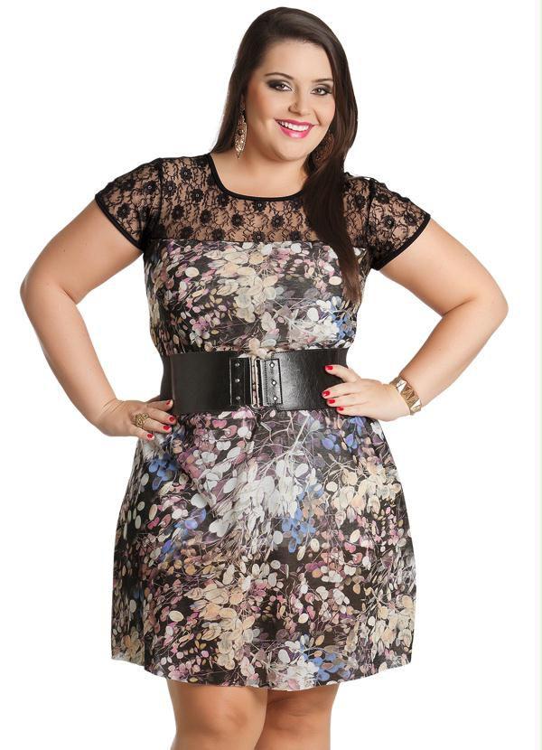Vestido Estampa Folhagens Plus Size