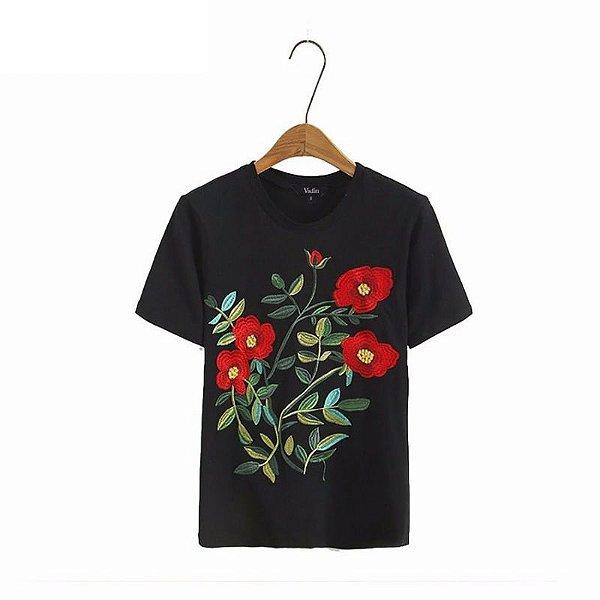 T-shirt Bordada Rosas