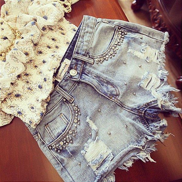 Short Jeans com Pedrinhas