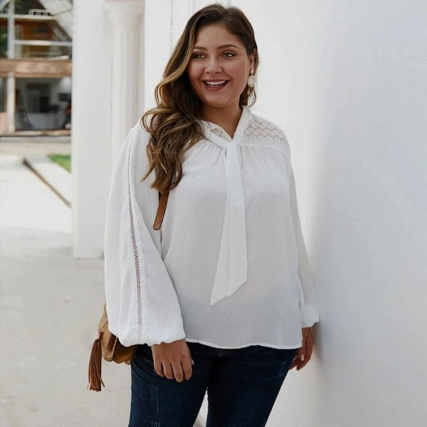 Blusa White Detalhe Renda Plus Size