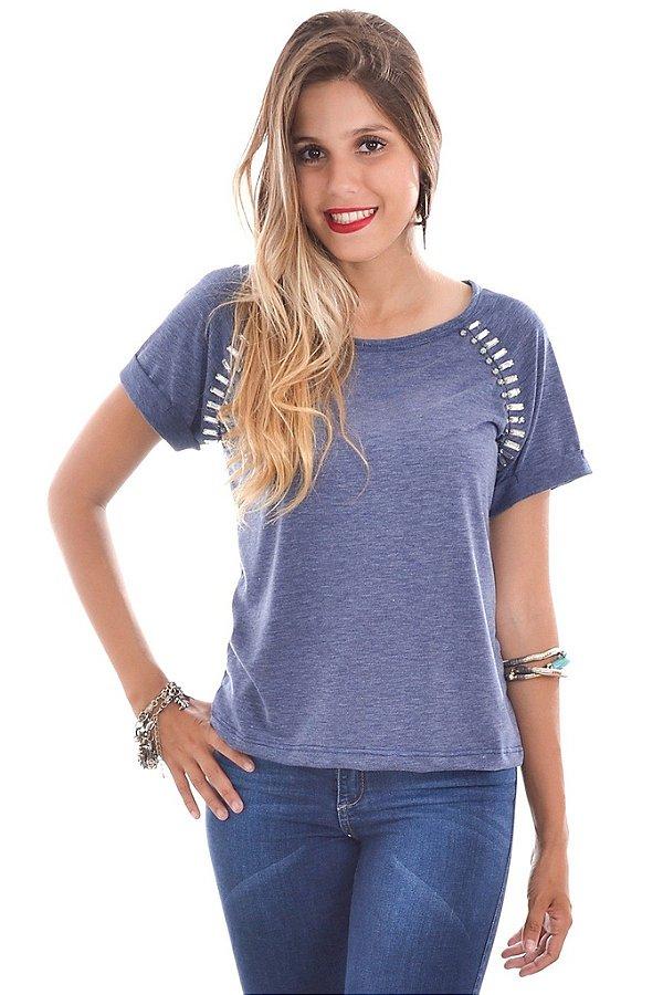 T-shirt Azul com Bordado nos Ombros