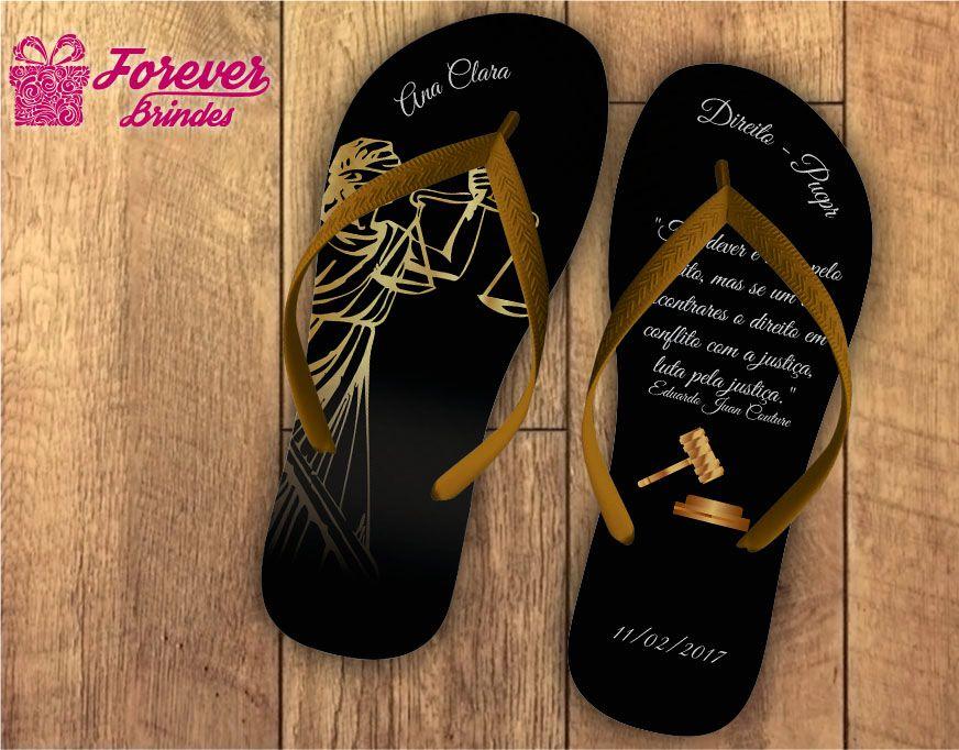 Chinelo formatura direito deusa Têmis dourado com preto