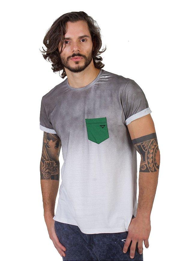 Camiseta Branca Jet Bolso Verde
