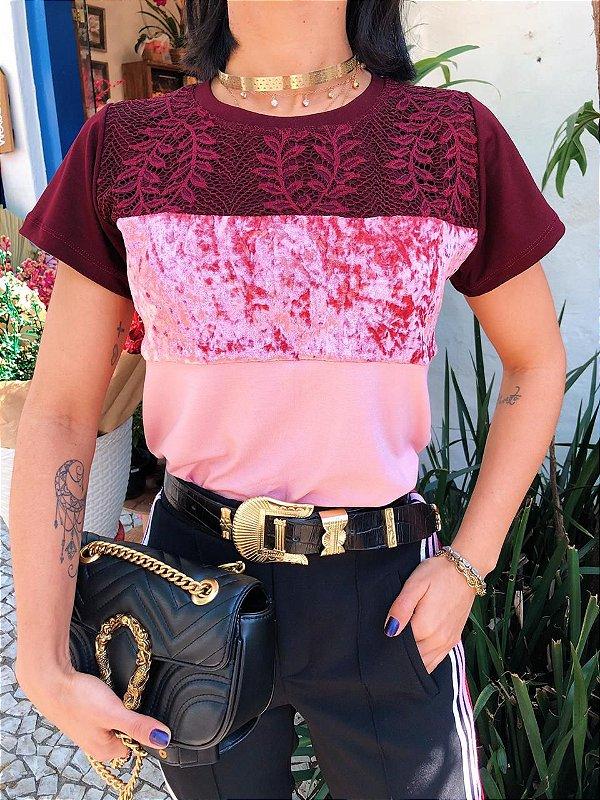 T-shirt Renda com Veludo Rose