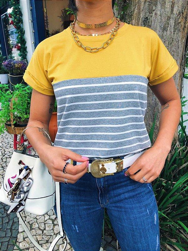 T-shirt Mostarda com Listras cinza Mescla