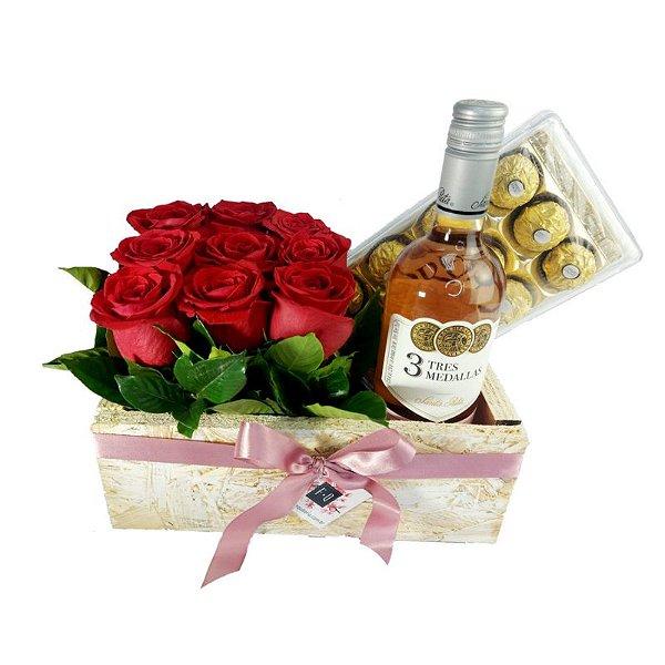 Kit Carré de Rosas Colombianas com Ferrero Rocher e Vinho Rosé 3 Medalhas