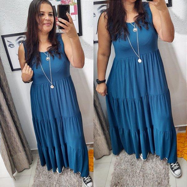 VESTIDO FÁBIA ( Tamanho único que veste do 36 ao 48 / na foto usando 44 ) LISO Na cor AZUL