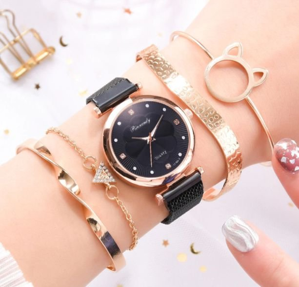 Relógio Feminino Trevo + Pulseiras