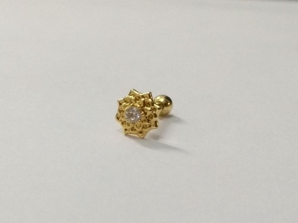 Pierncing para Tragus/Helix - Flor de lótus - Folheado a Ouro