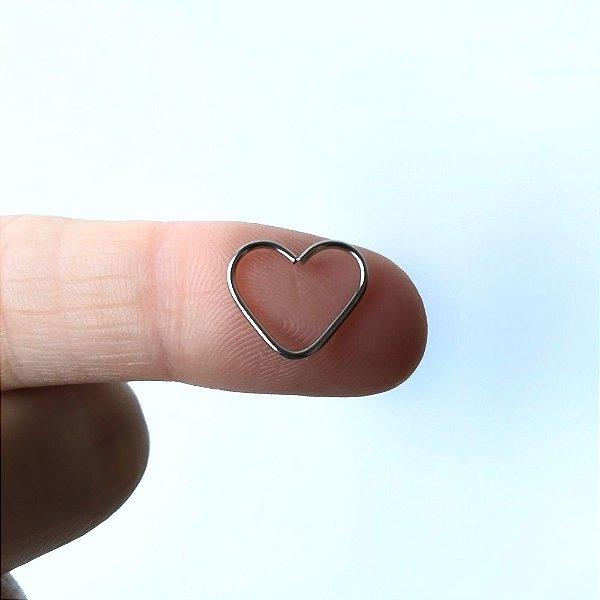 Piercing para Tragus/Helix/Orelha - Coração aberto em Aço Cirurgico
