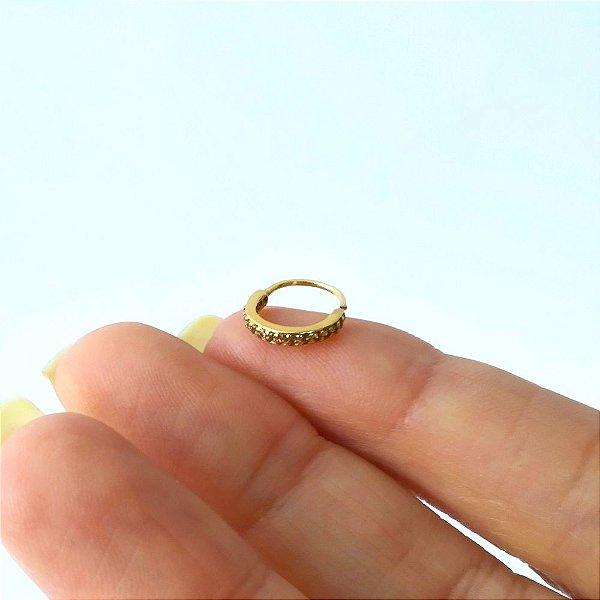 Argola com pedras para nariz ou helix com diâmetro maior - toda em prata banhada a Ouro 18k