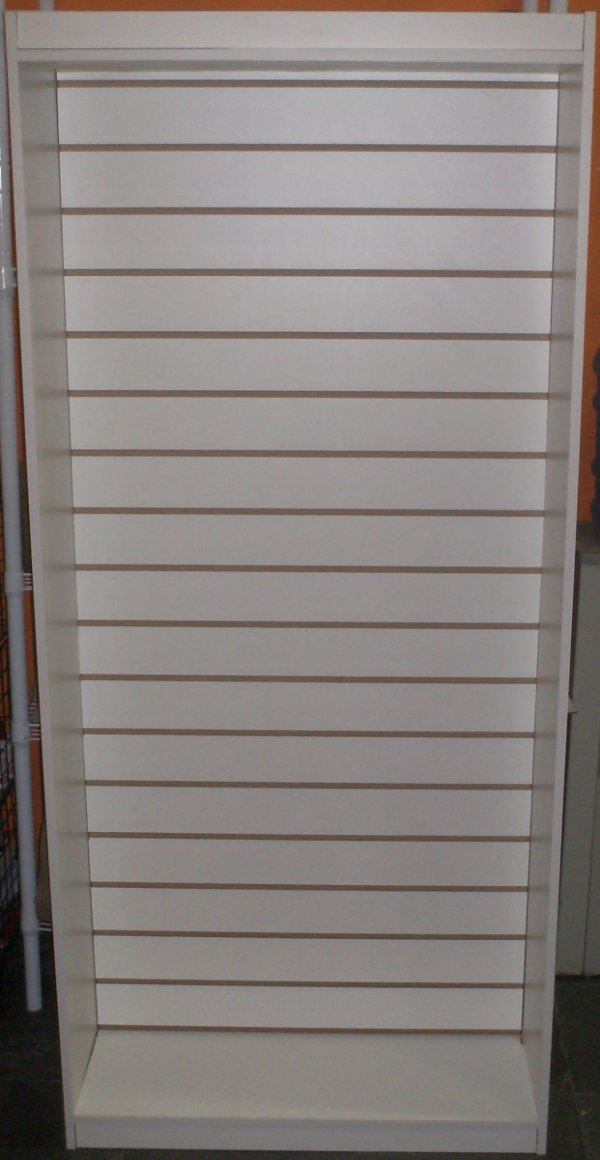 Expositor MDF Painel Canaletado  0,30 x 0,83 x 1,85