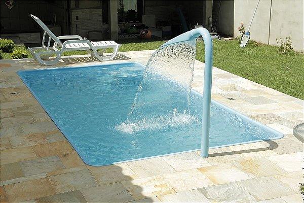 Piscina de Fibra Sábado Azul - 4,70 m x 2,40 m x 0,97 m - 9.300 litros - Diazul Piscinas