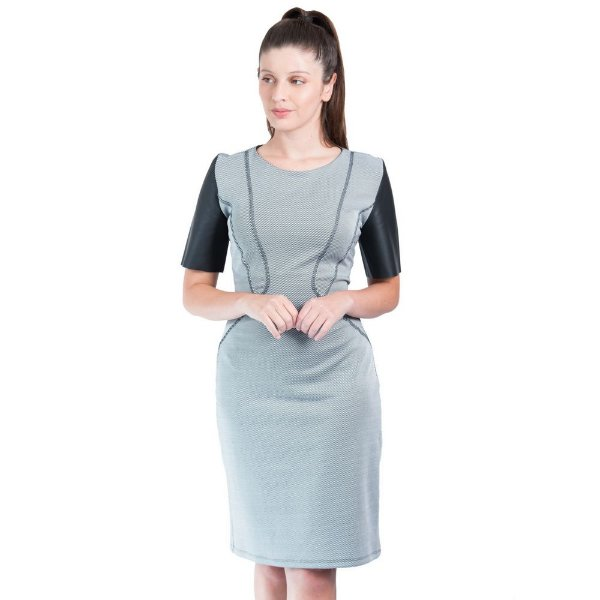 Vestido Maria Valentina Malha Essential Detalhe Trançador Listrado