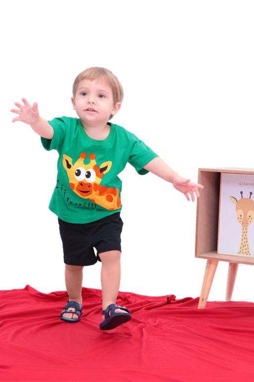 Conjunto Girafa Peludinha - camiseta e shorts