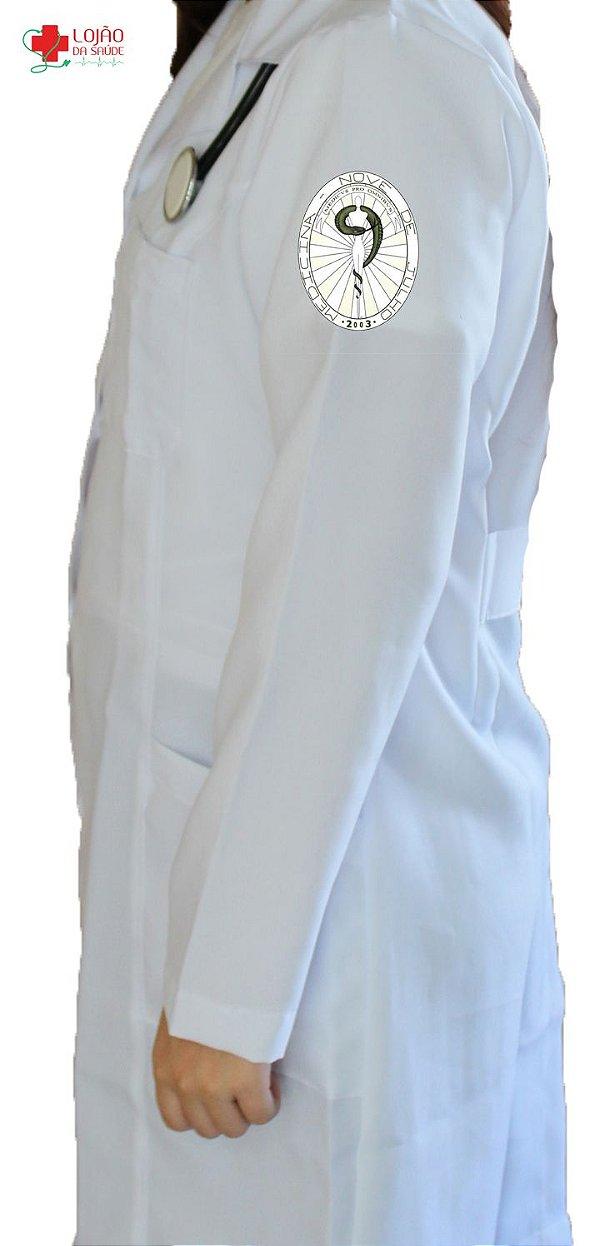 Jaleco Branco De Tecido GABARDINE Feminino De Manga Longa Com Logo MEDICINA Uninove Bordado - Lojão Da Saúde