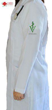 Jaleco Branco De Tecido GABARDINE Feminino De Manga Longa Com Logo MEDICINA VETERINARIA Bordado - Lojão Da Saúde