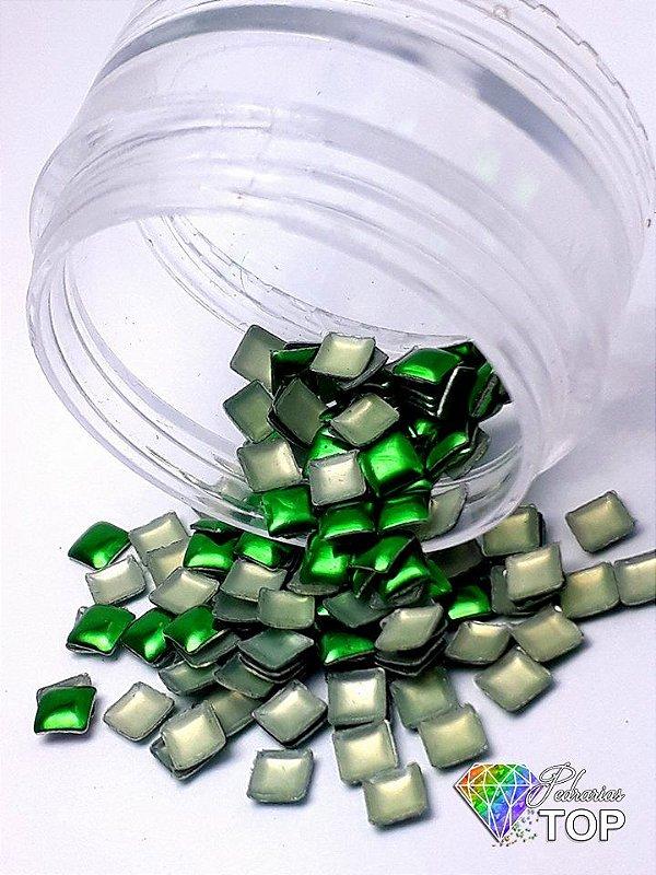 Chapinha quadrado verde 3mm - 50 unidades