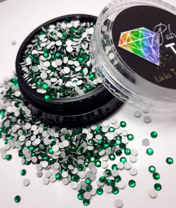 Cristal strass verde 1.8mm - Aprox. 500 unidades