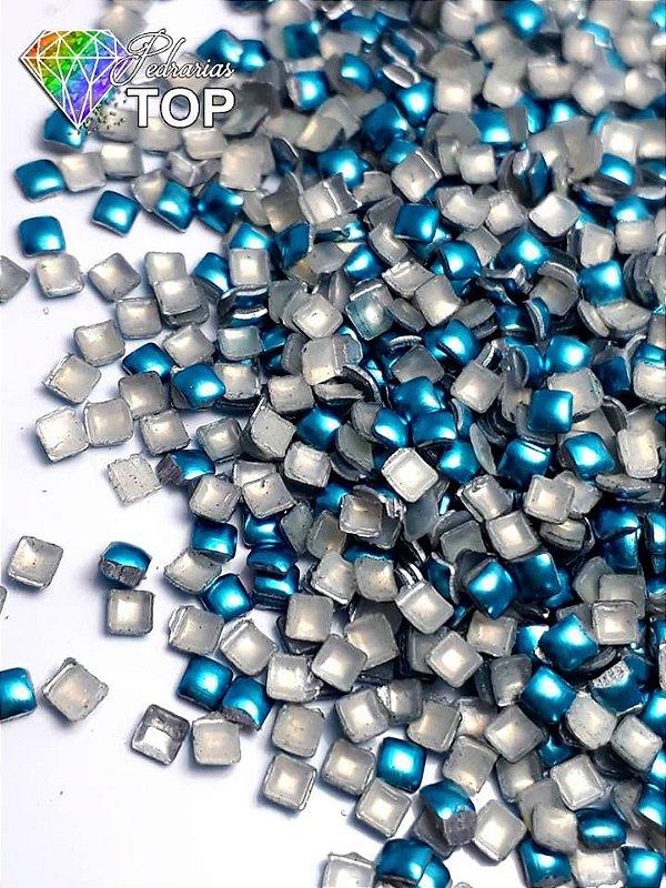 Chapinha quadrado azul claro 2mm - Aprox. 100 unidades