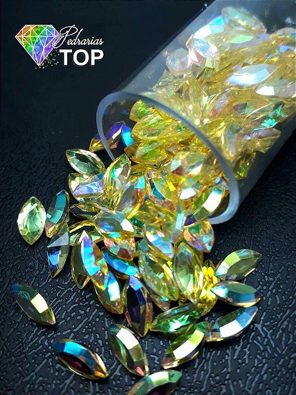 Pedra cristalina formato navete  4x8 c/10 un. -  REF. 012