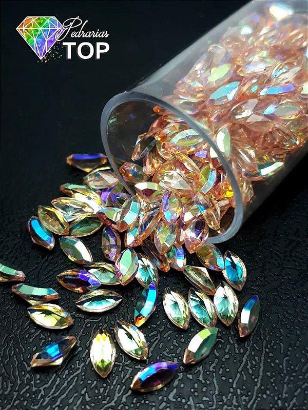 Pedra cristalina formato navete  3x5 c/10 un. -  REF. 014