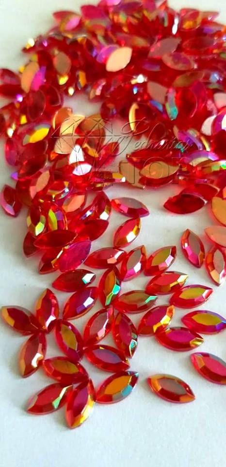 Pedra cristalina navete vermelho furta cor 5x10 C/ 30 unidades