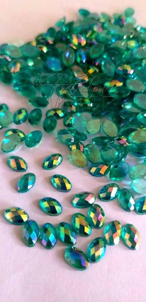 Pedra luxo oval verde furta cor 4x6 C/ 30 unidades - Ref. 008